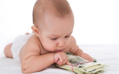 Zehn Jahre und acht künstliche Befruchtungen später ist das 100.000-Euro-Baby da
